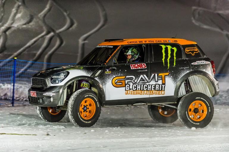 Monster son zamanlarda çılgın denemeleriyle araba severlerin ilgisini çekiyor .