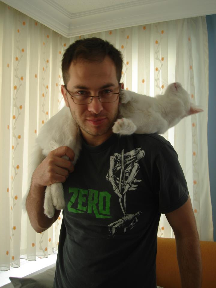 oğuz sezgin ve kedisi joker