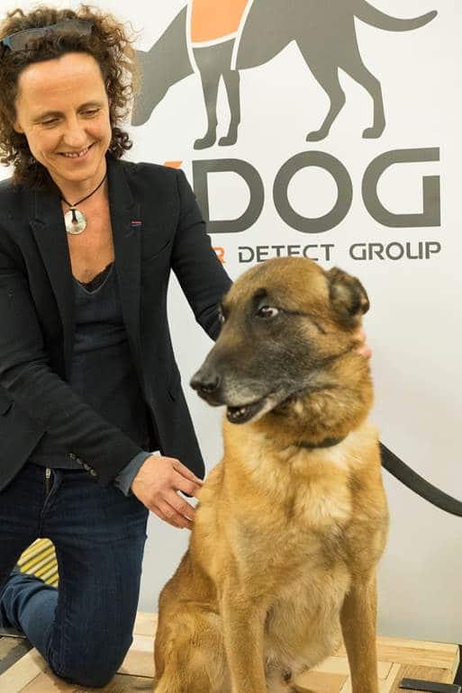 K-9 Köpekleri Kumaşı Koklayarak Kanseri Teşhis Edebiliyor