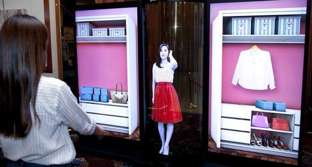 LG 77 inç Şeffaf Esnek OLED Ekranını Tanıttı