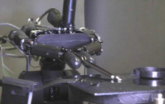 Robot pirinci alabiliyor