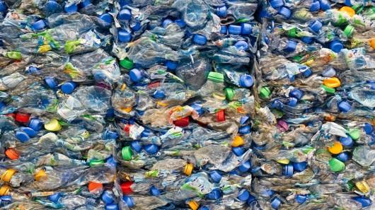 Levis 3,5 milyon atık plastik