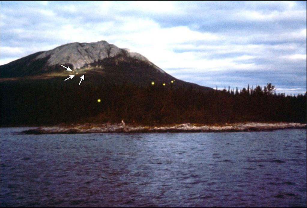 Güney Yukon Tagish Gölü'nde 500 metre uzaktan gözlenen 7 ışık küresi yaklaşık 1 metre boyundaydı.