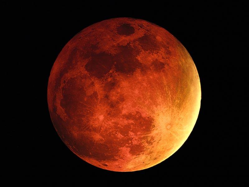 Kanlı Ay Tutulması Bitti