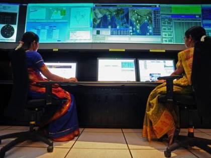 ISRO Hint Kadın Bilim İnsanları , Renkli Kıyafetleri ile sıradışı bir görüntü oluşturuyor