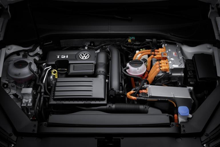 volkwagen-passat-gte-hybrid-0 - Kopya