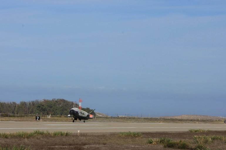 x-37b-lands-0