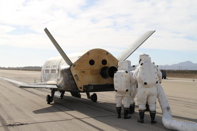 x-37b-lands-2